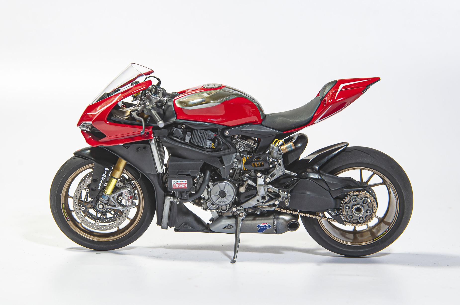 Ducati_10.jpg
