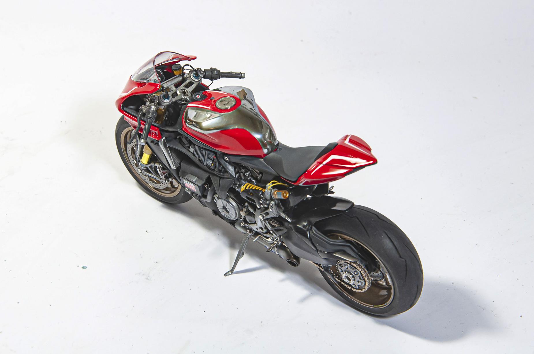 Ducati_11.jpg